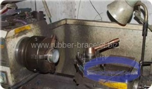 Mold production of silicone bracelets