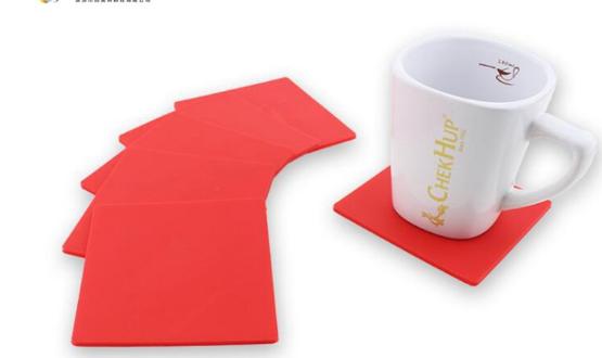 výroba ze silikonu - reklamní podložky pod hrníčky