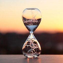 Přesýpací hodiny a kapalinou